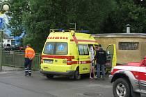 Muž skončil v nemocnici s pohmožděným hrudníkem.