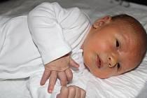 Filip Indyk se narodil 25. června ve 23:35 v mladoboleslavské porodnici. Po narození vážil 3480 g a měřil 54 cm.  S rodiči Magdalenou a Marcinem Indyk a sestřičkou Oliwiou bude bydlet v Mladé Boleslavi.