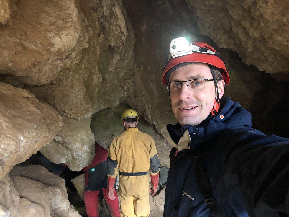 Jeskyně u Tetína. Maturita v jeskyňářství. Jde se na to.