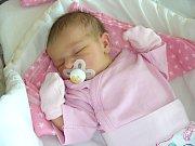 MANŽELÉ Lenka a Adam Dobešovi z Chrášťan, přivedli společně na svět 17. srpna 2017 své první miminko, holčičku Natálii. Natálka vážila po narození 3,11 kg a měřila 48 cm.