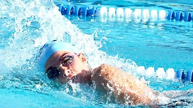 Tomáš Ludvík je v bazénu stále lepší.