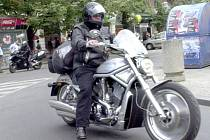 Motorkářství je životní styl i filozofii, ne každý milovník silných strojů ale vždy dokáže zachovat chladnou hlavu a jezdit s rozmyslem.