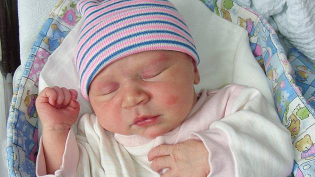 Manželům Lucii a Petrovi Buzrlovým se narodilo první dítko, dcera Eliška. Rodiče si své štěstí odvezli domů do Berouna.