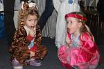 Kluci a děvčata si užili na karnevalu spoustu legrace.