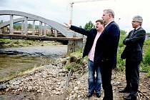 Ministr zemědělství Petr Bendl navštívil Králův Dvůr.