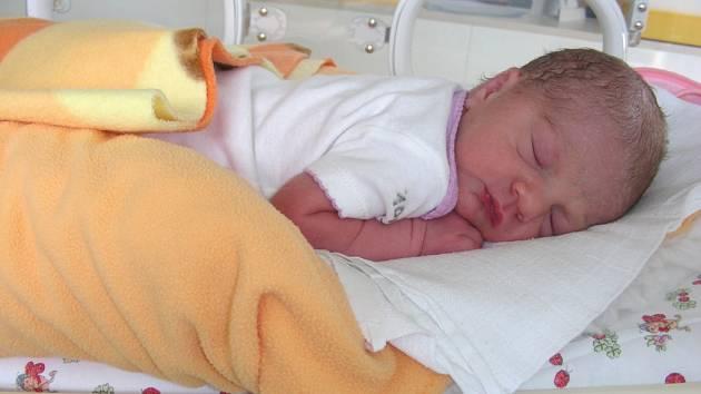 Páté děťátko přivedla na svět ve středu 30. května maminka Petra Elgrová. Je to holčička, jmenuje se Kateřina a po porodu vážila 2,095 kg a měřila 49 cm. Doma v Berouně se na Kačenku těší tatínek Jaroslav Marek a sourozenci Honzík (13), Páťa (9), Jára (8)