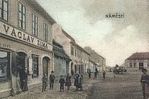 Václav Zima nebylo jen jméno majitele obchodu na současném náměstí Kapitána Kučery, ale také to byl autor této pohlednice z roku 1903, která sloužila k propagaci Cerhovic.