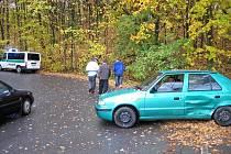Mokrou vozovku řidiči nezvládají