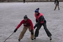 Hokej na rybníku