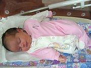 MANŽELÉ Helena a Tomáš Pásztorovi z Jinců pořídili synovi Vojtíškovi (3 roky) sestřičku Annu Josefinu. Holčička se narodila 28. srpna 2017, vážila pěkných 3,92 kg a měřila 51 cm. Jméno má Anička Josefinka po prababičce a dědečkovi.