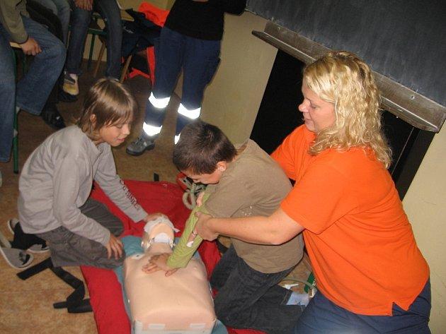 Záchranáři proklepli gymnazisty z Hořovic