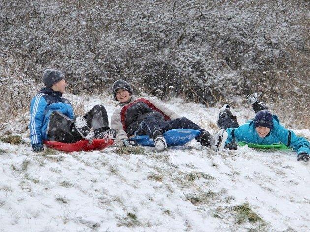 Sněhová nadílka potěšila hlavně děti