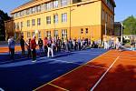 Ze slavnostního otevření nového multifunkčního hřiště Základní školy T. G. Masaryka v Komárově.
