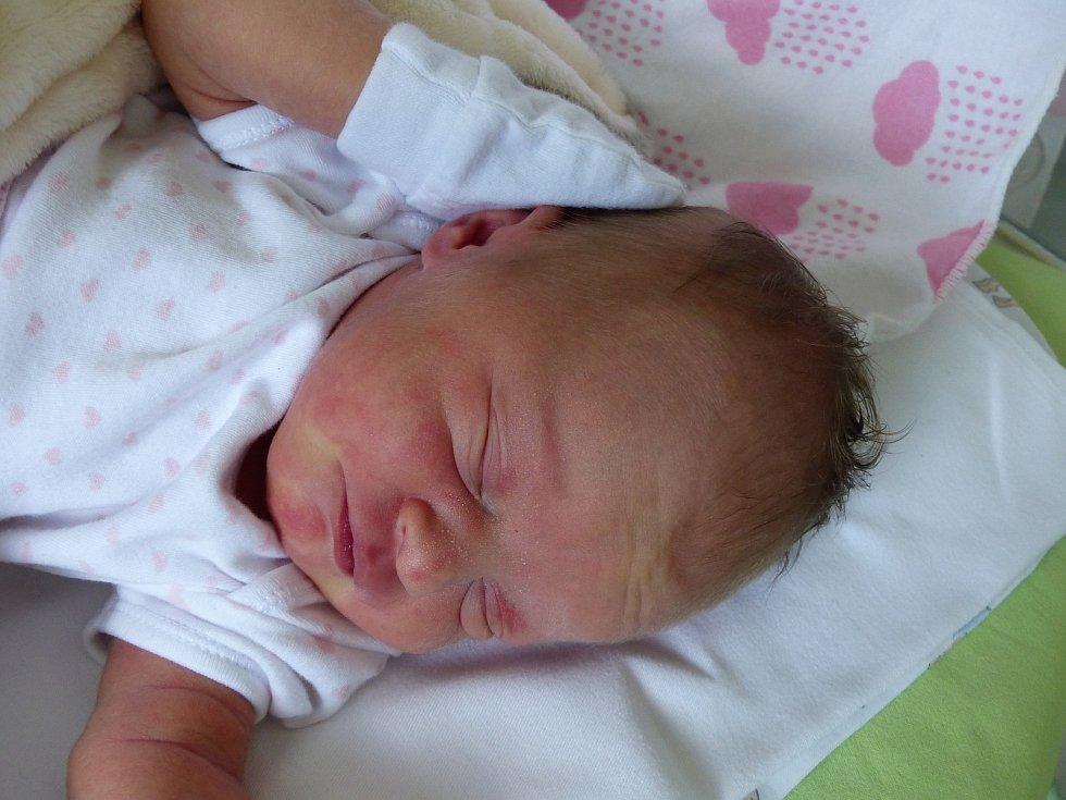 Pavlína Legéňová se narodila 13. června 2021 v kolínské porodnici, vážila 3060 g a měřila 50 cm. Do Kšel odjela s maminkou Danou a tatínkem Pavlem.