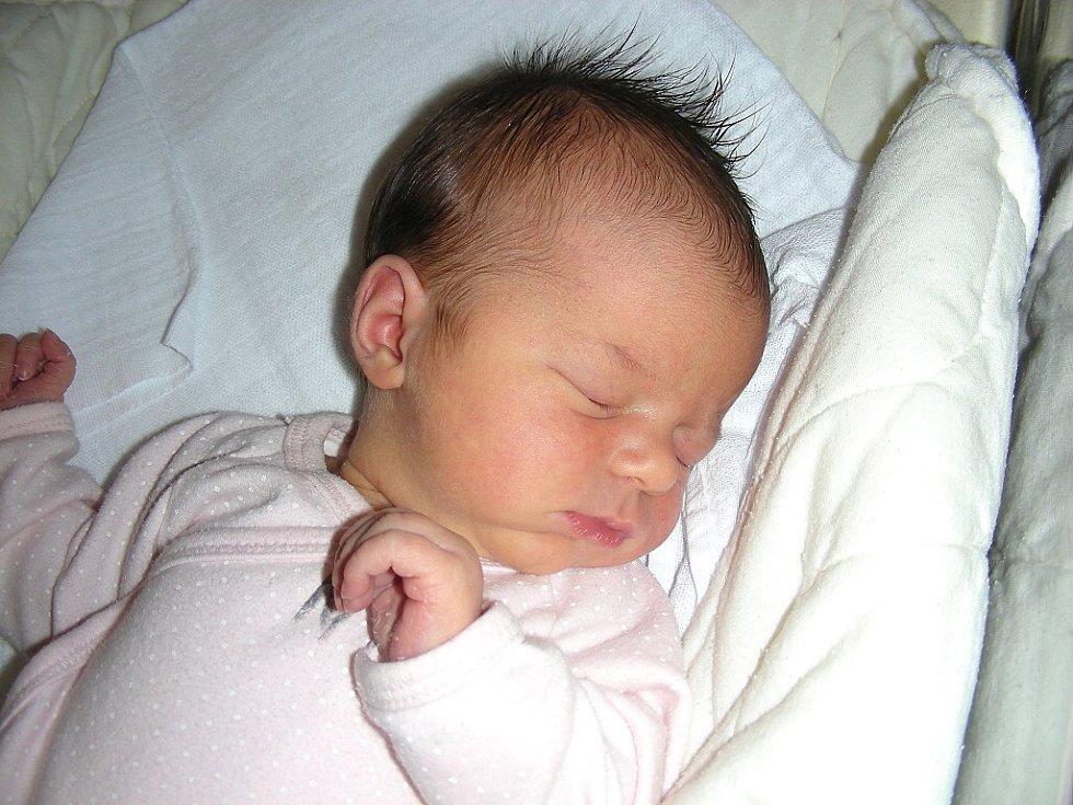 V pátek 10. ledna 2014 se stali rodiči Lucie a David Bernáškovi z Hředel. V tento pro ně šťastný den se jim narodila dcerka a rodiče jí dali jméno Anička. Aničce sestřičky po narození navážily 3,41 kg a naměřily 50 cm.