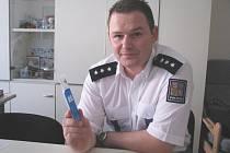 Zástupce vedoucího rudenského dálničního oddělení policie David Bukovský s testem na drogy
