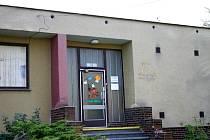 Nástavba mateřské školy v Hořovicích vyřeší její současnou nevyhovující kapacitu. Město Hořovice zadává  projekt na rekonstrukci bez ohledu na nedostatečnou spolupráci s ministerstvem školství