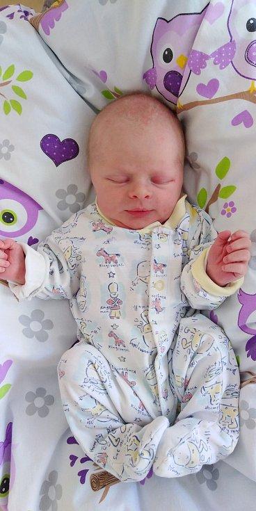 Patrik Čech se narodil 31. května 2021 ve 4. 57 hodin v čáslavské porodnici. Pyšnil se porodní váhou 3770 gramů a délkou 52 centimetrů. Doma ve Zbuzanech ho přivítali maminka Eliška, tatínek Jan a tříletý bráška Martínek.