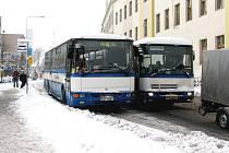 Autobusová doprava kolabovala a někteří školáci museli zůstat doma