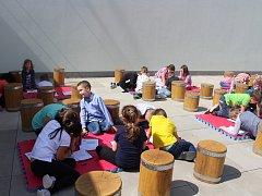 V Králově Dvoře včera slavnostně otevřeli novou venkovní třídu.