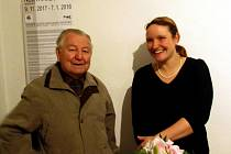 V Muzeu berounské keramiky zahájila výstavu svého porcelánu Nela Havlíčková.