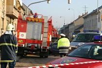 Záchranné vozidlo se srazilo s osobním autem