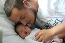 Nela Marie Beránková se v hořovické porodnici narodila 23. srpna 2020 v 15.04 hodin. Vážila 3800 gramů a měřila 51 centimetrů. Domů do Rokycan si ji odvezli maminka Adéla a tatínek Matěj.