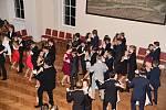 Na tanečním parketu berounského kulturního domu Plzeňka se konal další taneční kurt mládeže.