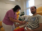 Na transfúzní stanici hořovické nemocnice přišli darovat krev občané i členové Mikroregionu Hořovicko.