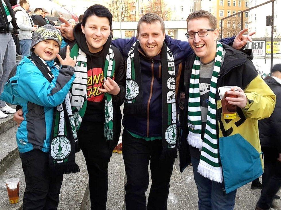 Petr Reiser (druhý zprava) s blízkými.