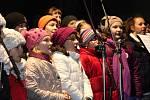 Vánoce, Vánoce přicházejí v podání dětských sborů ze ZUŠ Václava Talicha v Berouně.