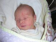 Datum 19. března 2014 má v rodném listě zapsané Lucinka Humlová, prvorozená dcerka maminky Blanky Škrdlantové a Miroslava Humla z Cheznovic. Lucince sestřičky navážily po narození 2,99 kg a naměřily 47 cm.