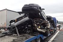 Dopravní nehoda dvou nákladních vozidel na dálnici D5 před exitem Beroun-západ ve směru do Prahy.