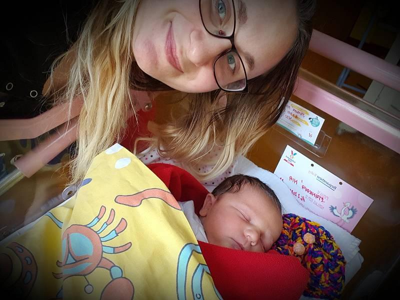 Mia Stanková se narodila 16. února 2021 v benešovské porodnici. Po porodu vážila 3820 g a měřila 47 cm. S maminkou Anežkou Rusňákovou, tatínkem Petrem Stankem a bráškou Péťou (5 let) bude bydlet v Neveklově.