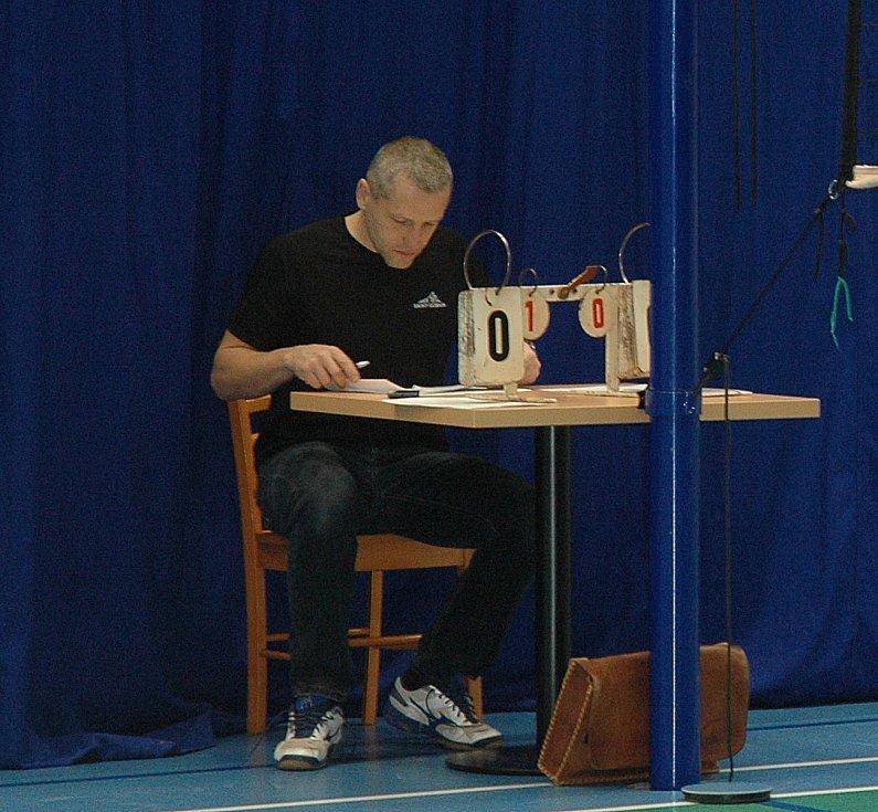 Další z turnajů krajského přeboru volejbalistek se uskutečnil v Hořovicích.