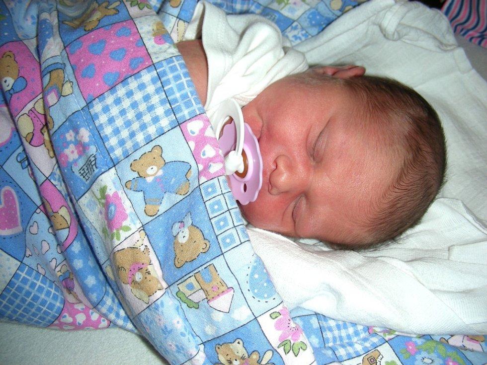 LUCIE Mojdlová prvně pohlédla na svět 8. března 2018 v 16.07 hodin, vážila 3,52 kg a měřila rovných 50 cm. Rodiče mají z prvorozené dcerky Lucinky velkou radost.