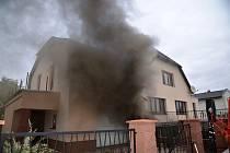 Požár rodinného domu v Úhonicích.