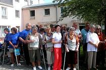 Na pečovatelské službě jsou nejvíce závislí staří a handicapovaní lidé. Ne všichni mají to štěstí, že získají místo v některém z domovů důchodců,  jako senioři na snímku