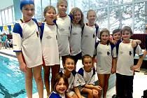 PÁTÉ kolo Středočeského poháru nejmladšího žactva v Kralupech nad Vltavou svou účastí zpestřili nejmladší plavci ze Spartaku Hořovice