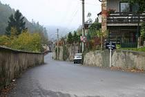 Oprava silnice, která vede do části obce zvané Hamburk, si vyžádala náklady vyšší než tři miliony korun