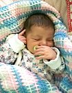 Melissa Gökçen se prvně koukla na svět 24. března 2014 a mohla se pochlubit krásnou porodní váhou 4,22 kg a mírou 52 cm. Rodiče Aysun a Akin Gökçen mají z dcerky velikou radost. Foto: Rodinný archiv.