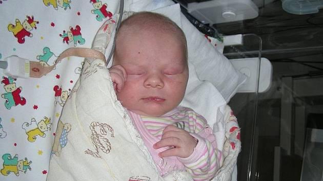 V úterý 2. 6. si prvně pochovala v náručí dcerku Adélku maminka Jana Gregovská. Holčička v ten den vážila 3,196 kg a měřila 50 cm. Doma v Levíně, se na maminku a Adélku těší tatínek Jan a bráška Kubík (5).