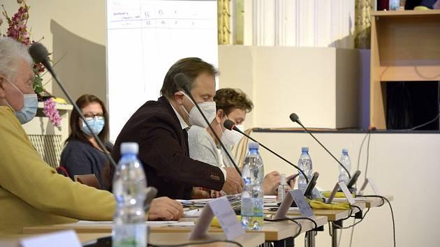 Zasedání zastupitelstva v Berouně v prosinci roku 2020.
