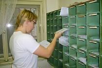 Datové schránky si mohou lidé aktivovat na poště