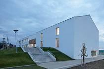Stavba roku 2020 - ZŠ Amos, Psáry.