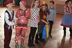Dětský maškarní karneval v Neumětelích.