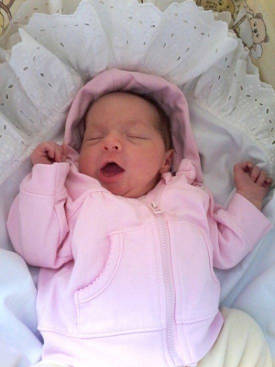 Vaneska se narodila 22. srpna a je prvorozenou dcerkou maminky Terezy a tatínka Václava z Hředel. Vaneska vážila po narození 3,70 kg a měřila rovných 50 cm. Foto: Rodinný archiv