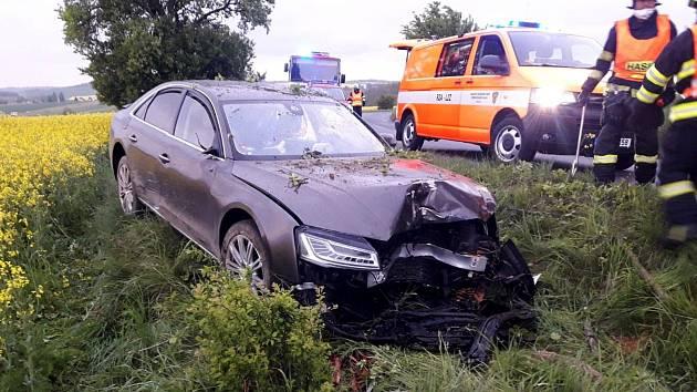 Dopravní nehoda mezi Chyňavou a Bratronicemi.