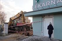 Začala rekonstrukce lékárny Nemocnice Hořovice, vchod najdou lidé od silnice