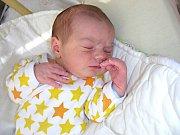 V úterý 1. dubna 2014, na apríla, se narodil Tomáš Řehák, druhé děťátko manželů Petry a Tomáše Řehákových. Chlapečkovi porodní míry byly 3,74 kg a 52 cm. Tomášek bude vyrůstat se sestřičkou Emičkou (3,5). Rodinka má domov v Hostivicích.